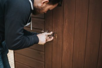 adult-door-fixing-1166382