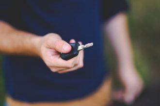 blur-car-key-close-up-6097